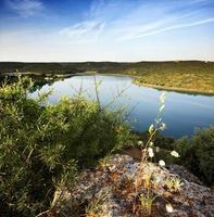 paisaje con lago foto
