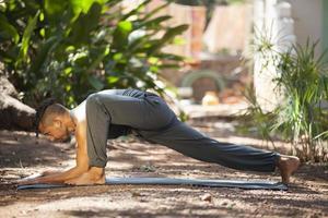 yoga na natureza.