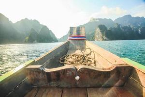 Kayak hacia la isla. foto