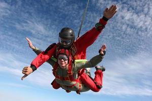 parachutespringen foto. tandem.