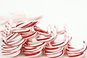 fila de bastones de caramelo foto
