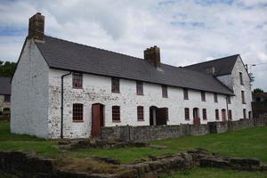 casas adosadas vacías pero renovadas