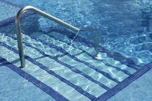 escaleras de la piscina foto