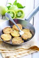 Tomates verdes fritos foto