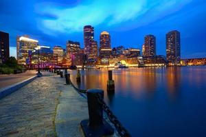 Boston Sunset Skyline en Fan Pier Massachusetts