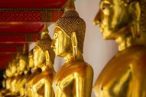 estátua de Buda de ouro