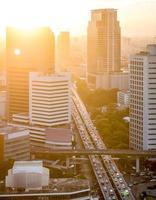 puesta de sol en la ciudad de bangkok