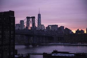 anochecer de la ciudad de nueva york foto