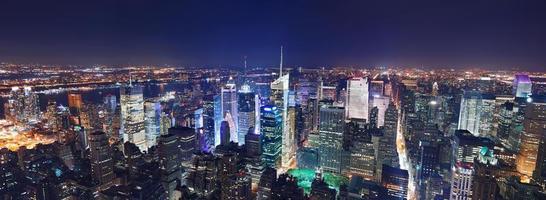 panorama de la noche de manhattan de la ciudad de nueva york foto