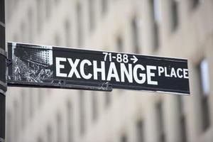 nueva york - muestra de bolsa de valores de wall street de estados unidos foto