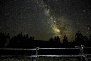 Via Láctea além da cerca