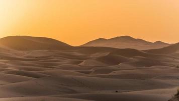 het verkennen van de Saharawoestijn in Marokko