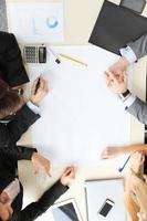 empresarios en reunión foto