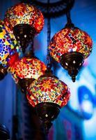 lâmpada multicolorida brilhante
