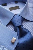 camisa azul foto