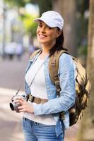 turista feminina na cidade
