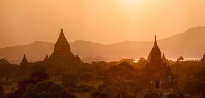 Sunset in Bagan photo