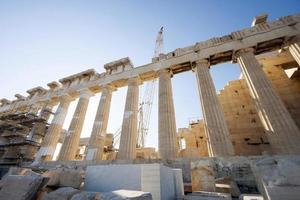Trabajos de reconstrucción del templo del Partenón en Atenas