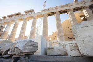 reconstrucción del partenón en la acrópolis ateniense