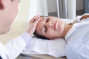 mujer obtener una tomografía foto