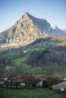 San vicente pico en ramales de la victoria. Cantabria. España. foto