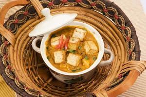 paneer masala o queso cocinado en salsa cremosa
