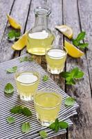 bebida de limon foto