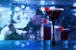 alcoholic drinks with  cherry photo