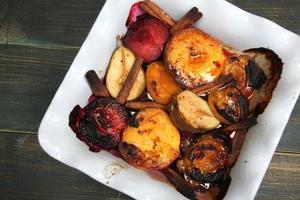 frutas al horno foto