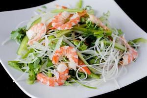 receitas de salada de camarão fresco