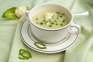 sopa de coliflor foto