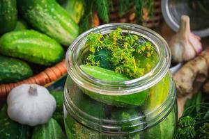 primer tarro encurtidos otros ingredientes decapado foto