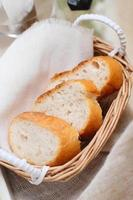 bread sliced photo