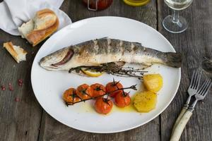 Grilled sea bass with vegetables