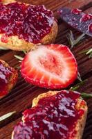 Mermelada de fresa foto