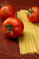 tomato and raw pasta