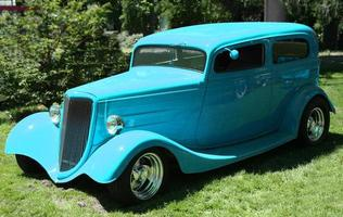 baby blauwe klassieke auto - sedan