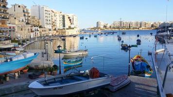 sol de la tarde, bahía de spinola, malta foto