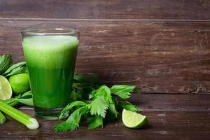 Celery smoothie with limes
