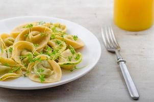 Ravioli stuffed with spinach pesto