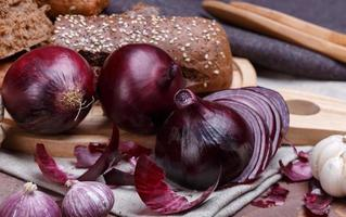 onion, bread and garlic photo