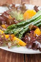 Asparagus salad with oranges and hemp seeds