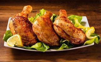 muslos de pollo asado