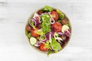 ensalada de verduras en un tazón