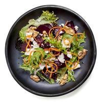 salada de beterraba com nozes feta e cenoura