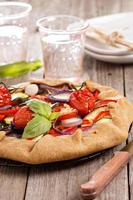 pastel abierto de verduras foto