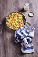 cuscús con verduras y camarones
