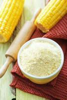 Harina de maíz foto