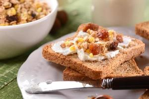 rusk with cream and granola