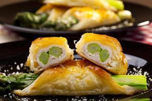 asperges gebakken in bladerdeeg